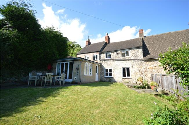 Asking Price £399,950, 3 Bedroom Semi Detached House For Sale in Stroud, GL5