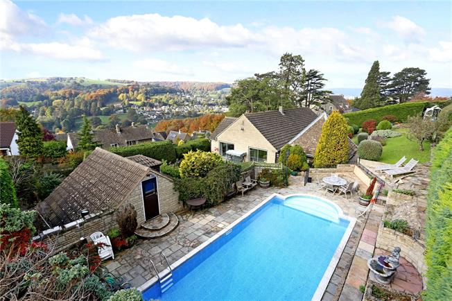 Guide Price £575,000, 3 Bedroom Bungalow For Sale in Stroud, Gloucestershire, GL5