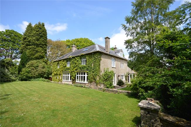 Guide Price £1,175,000, 7 Bedroom Detached House For Sale in Chalford Hill, GL6