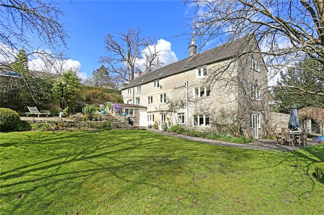 Guide Price £825,000, 5 Bedroom Detached House For Sale in Chalford Hill, GL6