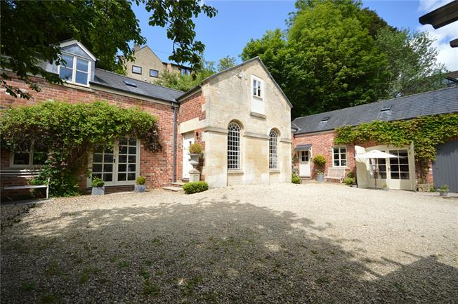 Asking Price £649,995, 4 Bedroom Detached House For Sale in Stroud, GL5