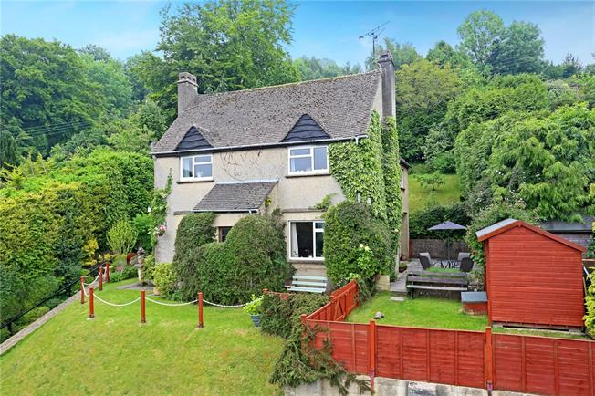 Offers in the region of £465,000, 4 Bedroom Detached House For Sale in Rodborough, GL5