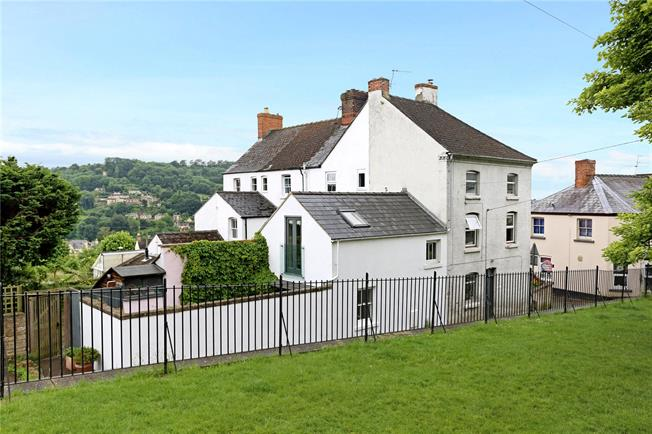 Asking Price £360,000, 4 Bedroom Terraced House For Sale in Stroud, GL5
