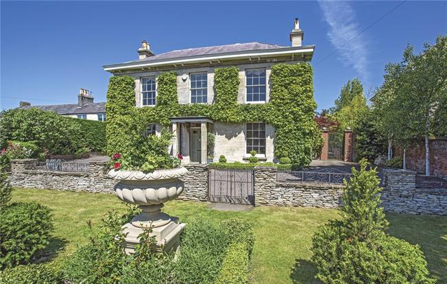 Guide Price £625,000, 4 Bedroom Detached House For Sale in Stroud, Gloucestershire, GL5