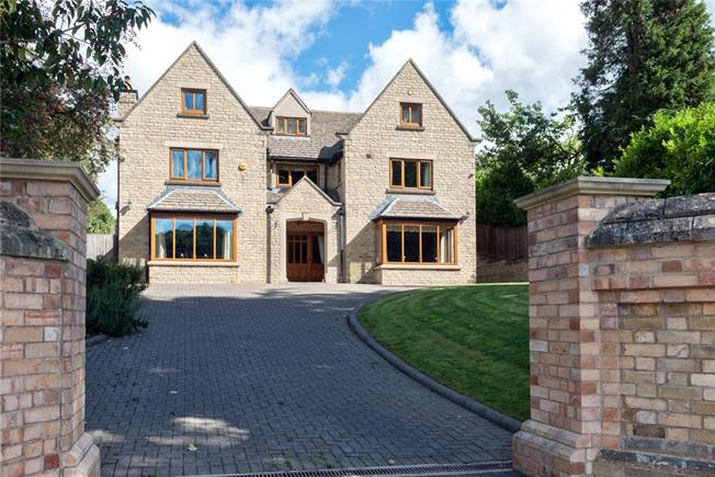 Guide Price £799,995, 6 Bedroom Detached House For Sale in Stroud, GL5
