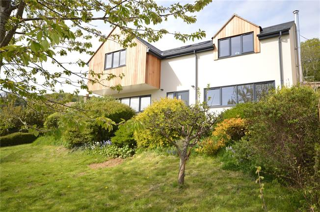 Offers in excess of £500,000, 4 Bedroom Detached House For Sale in Brimscombe, GL5