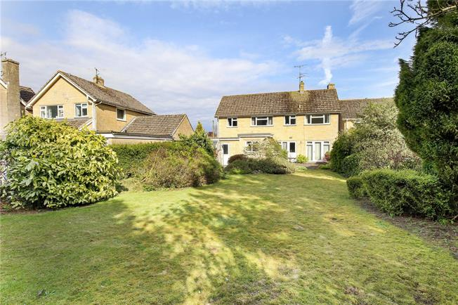 Asking Price £447,500, 4 Bedroom Detached House For Sale in Minchinhampton, GL6