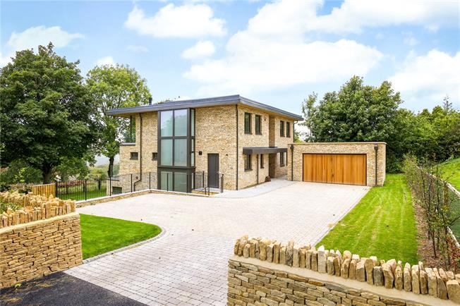 Guide Price £1,295,000, 4 Bedroom Detached House For Sale in Stroud, Glos, GL5
