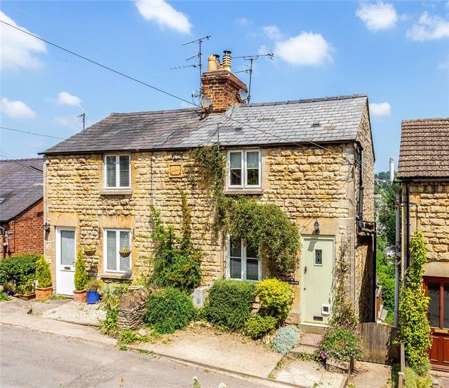 Guide Price £335,000, 2 Bedroom Semi Detached House For Sale in Gloucestershire, GL5