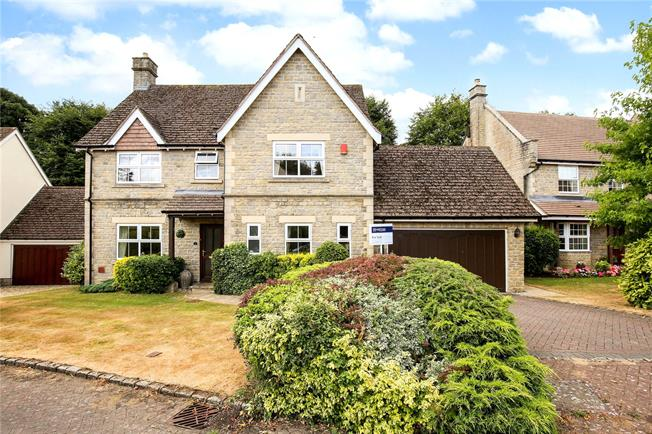 Guide Price £645,000, 4 Bedroom Detached House For Sale in Stroud, Gloucestershire, GL6