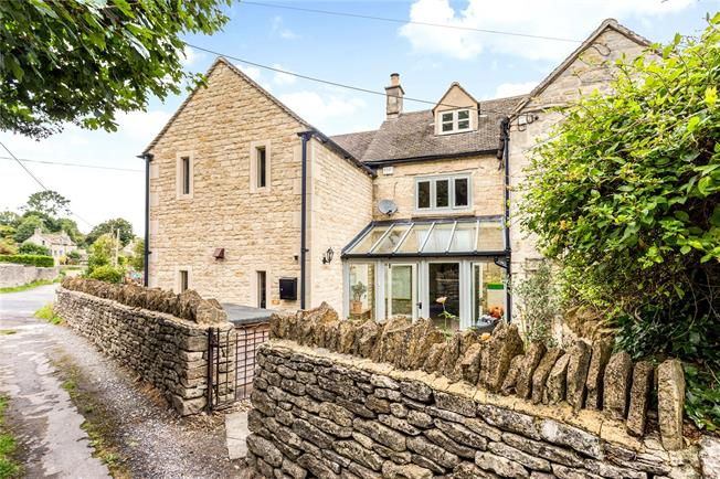 Guide Price £475,000, 4 Bedroom Semi Detached House For Sale in Burleigh, GL5
