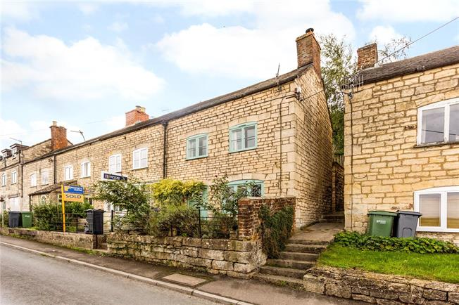 Guide Price £200,000, 2 Bedroom End of Terrace House For Sale in Stroud, GL5