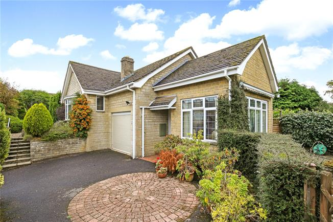 Guide Price £425,000, 3 Bedroom Bungalow For Sale in Minchinhampton, GL6
