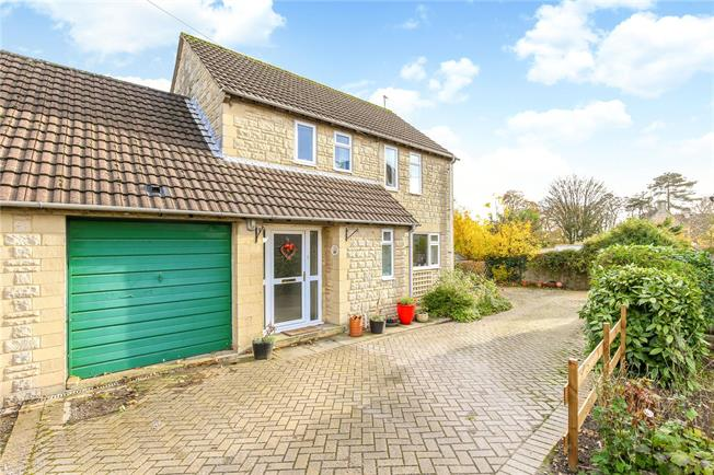 Offers in the region of £395,000, 3 Bedroom Detached House For Sale in Minchinhampton, GL6