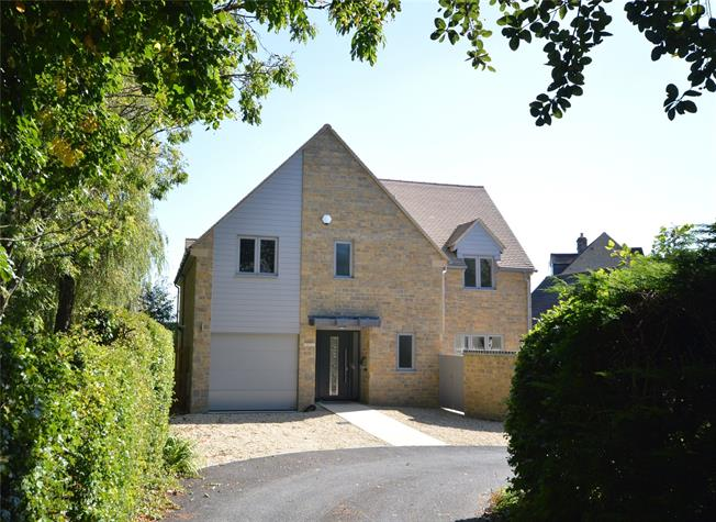 Guide Price £695,000, 4 Bedroom Detached House For Sale in Stroud, Gloucestershire, GL6