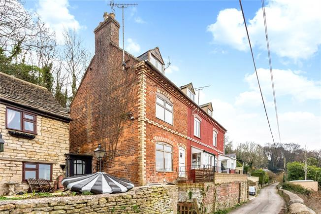 Guide Price £250,000, 2 Bedroom End of Terrace House For Sale in Stroud, Gloucestershire, GL5