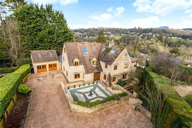 Guide Price £950,000, 6 Bedroom Detached House For Sale in Nailsworth, GL6