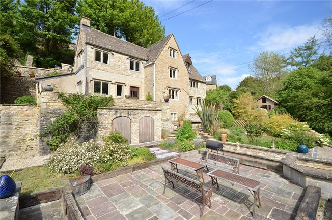 Guide Price £700,000, 4 Bedroom Detached House For Sale in Chalford, GL6