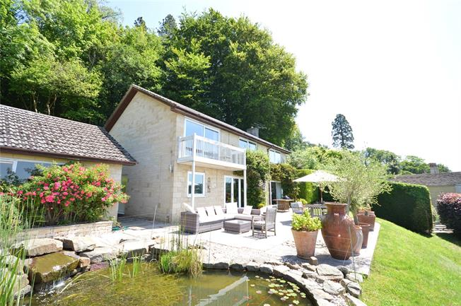 Guide Price £625,000, 4 Bedroom Detached House For Sale in Nailsworth, GL6