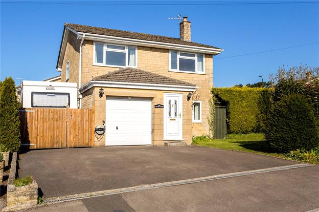 Asking Price £475,000, 4 Bedroom Detached House For Sale in Minchinhampton, GL6