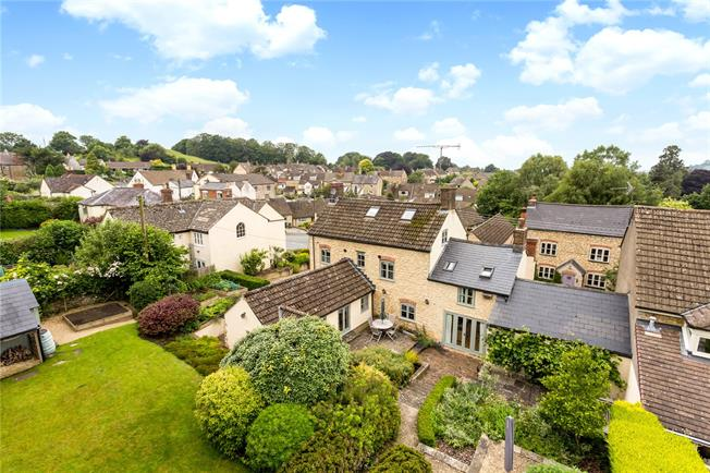 Guide Price £775,000, 5 Bedroom Detached House For Sale in Dursley, Gloucestershire, GL11