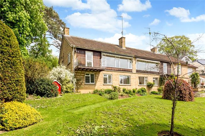 Guide Price £325,000, 3 Bedroom Semi Detached House For Sale in Stroud, Gloucestershire, GL5