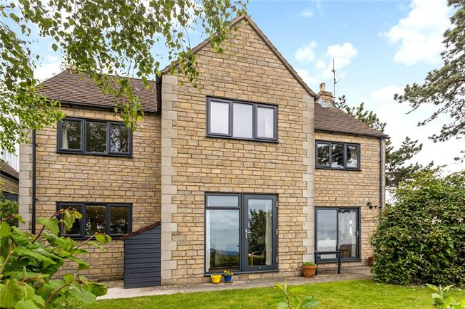Guide Price £515,000, 4 Bedroom Detached House For Sale in Gloucestershire, GL5