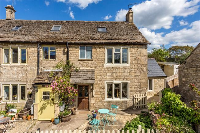 Guide Price £365,000, 3 Bedroom Semi Detached House For Sale in Stroud, Gloucestershire, GL6