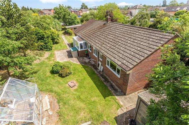 Guide Price £475,000, 3 Bedroom Bungalow For Sale in Saul, GL2