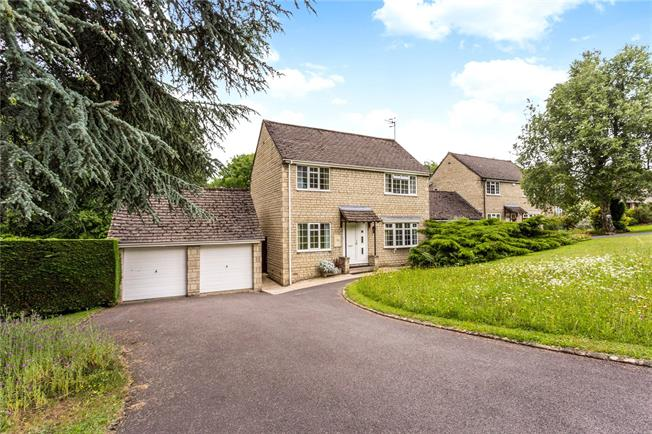 Asking Price £530,000, 4 Bedroom Detached House For Sale in Stroud, Gloucestershire, GL5