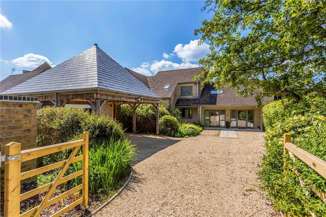 Guide Price £775,000, 5 Bedroom Detached House For Sale in Bisley, GL6