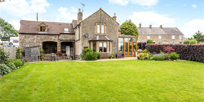 Guide Price £750,000, 5 Bedroom Detached House For Sale in Stroud, Gloucestershire, GL6