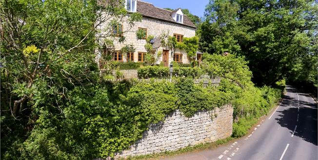 Guide Price £750,000, 3 Bedroom Detached House For Sale in Stroud, Gloucestershire, GL6