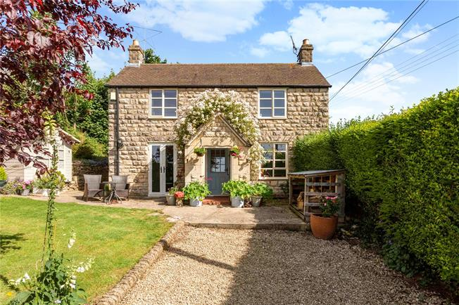 Guide Price £499,950, 4 Bedroom Detached House For Sale in Whiteshill, GL6