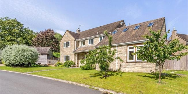 Guide Price £695,000, 4 Bedroom Detached House For Sale in Stroud, Gloucestershire, GL5