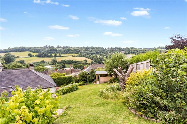 Guide Price £460,000, 3 Bedroom Bungalow For Sale in Thrupp, GL5
