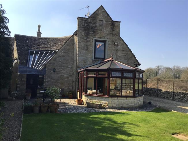 Guide Price £750,000, 4 Bedroom End of Terrace House For Sale in Minchinhampton, GL6