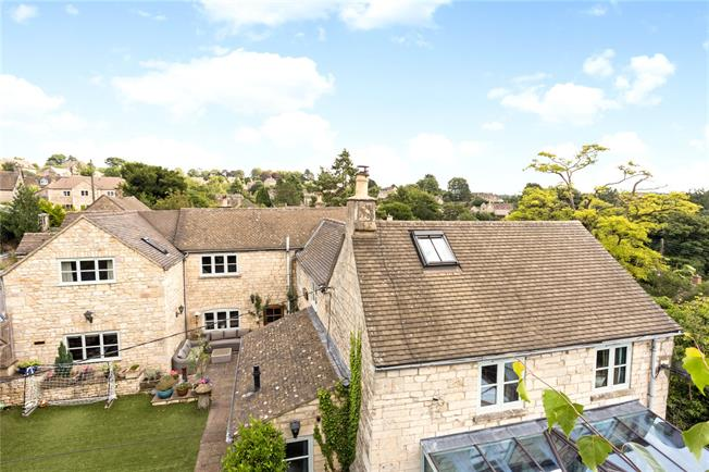 Guide Price £795,000, 6 Bedroom Detached House For Sale in Chalford Hill, GL6