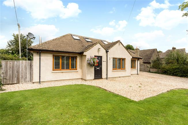 Guide Price £630,000, 5 Bedroom Detached House For Sale in Minchinhampton, GL6