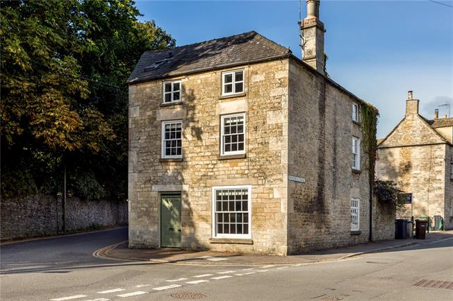 Guide Price £495,000, 4 Bedroom Detached House For Sale in Minchinhampton, GL6