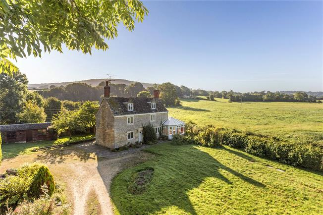 Asking Price £530,000, 3 Bedroom Detached House For Sale in Oxlynch, GL10