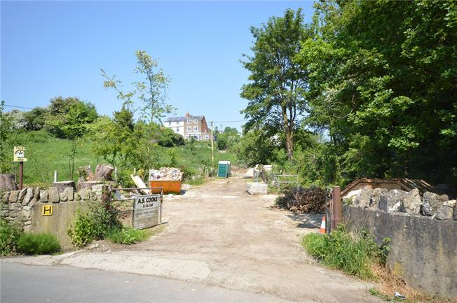 Guide Price £400,000, Detached House For Sale in Stroud, Gloucestershire, GL5