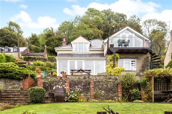 Guide Price £650,000, 4 Bedroom Detached House For Sale in Ruscombe, GL6