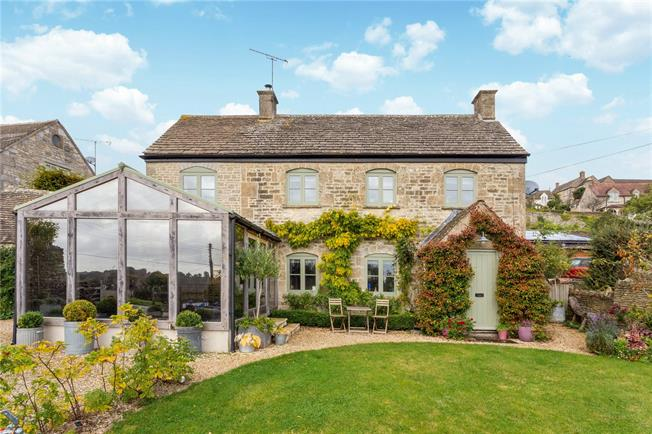 Guide Price £675,000, 3 Bedroom Detached House For Sale in Gloucestershire, GL6