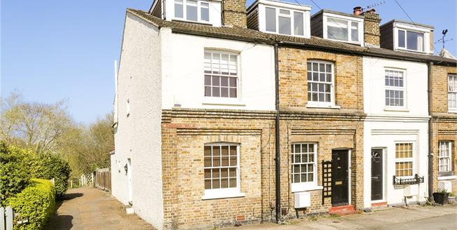 Asking Price £499,950, 3 Bedroom Terraced House For Sale in Weybridge, Surrey, KT13