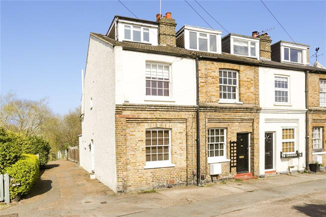 Offers in excess of £475,000, 3 Bedroom House For Sale in Weybridge, KT13