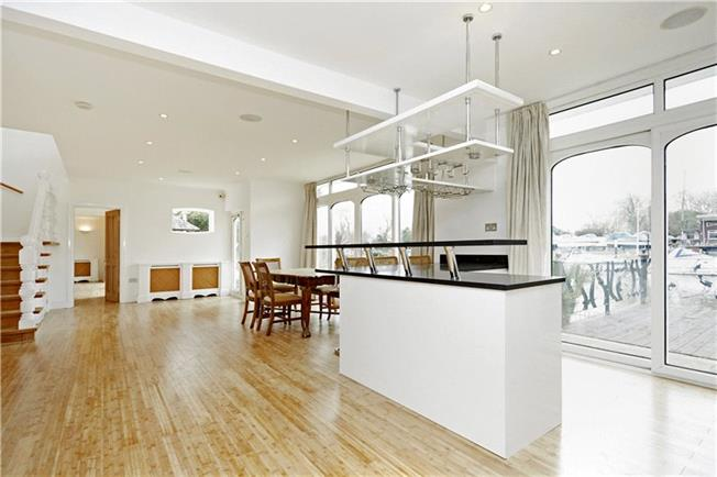 Guide Price £1,500,000, 4 Bedroom Detached House For Sale in Surrey, TW16