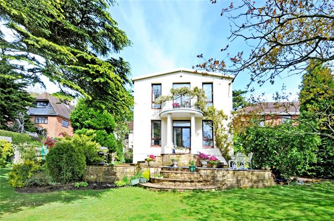 Guide Price £900,000, 4 Bedroom Detached House For Sale in Ottershaw, KT16