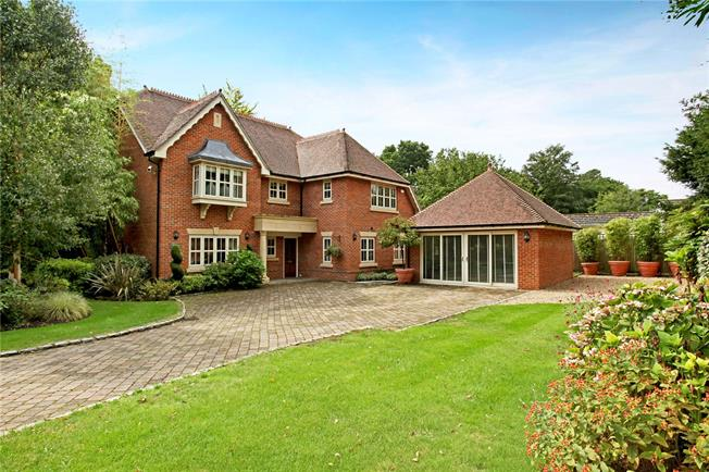 Asking Price £1,499,000, 5 Bedroom Detached House For Sale in Surrey, GU21