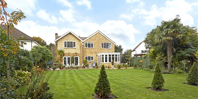 Guide Price £1,399,000, 5 Bedroom Detached House For Sale in Walton-on-Thames, Surrey, KT12